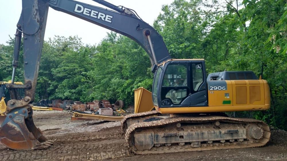Detail photo of 2014 John Deere 290G LC from Construction Equipment Guide