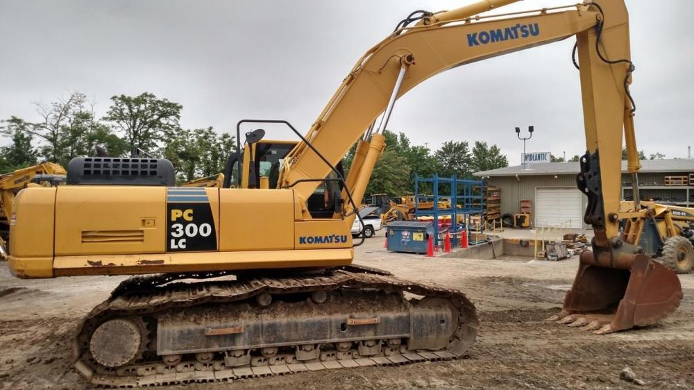 Detail photo of 2008 Komatsu PC300LC-8 from Construction Equipment Guide