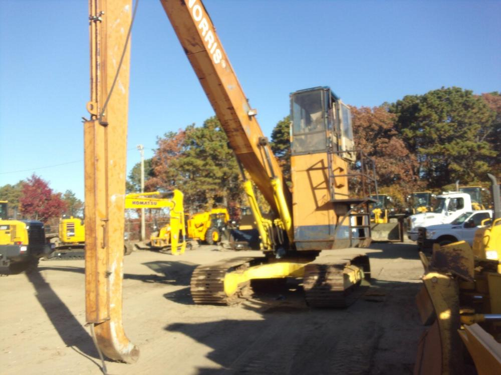Detail photo of 1989 Komatsu PC300LC-3 from Construction Equipment Guide