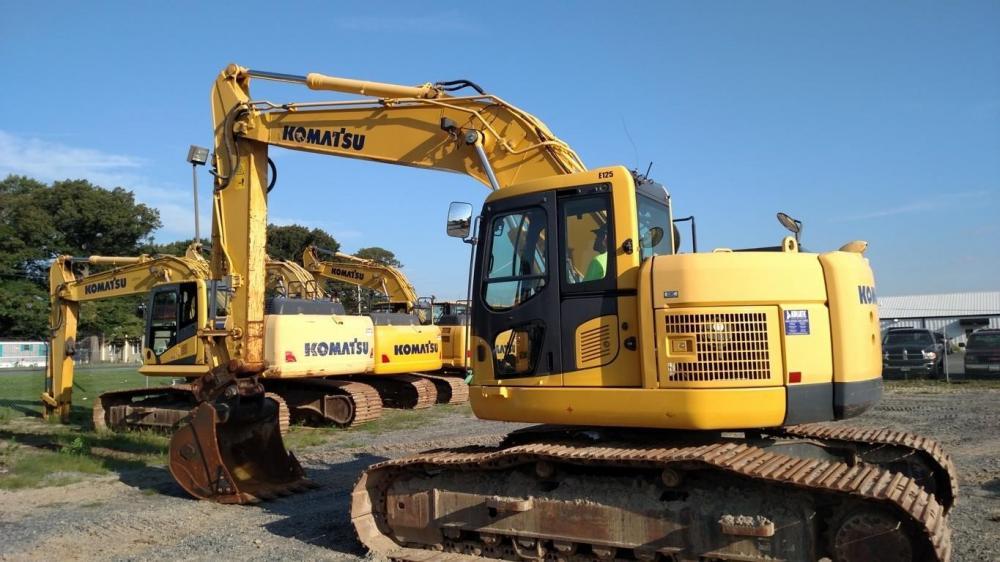 Detail photo of 2013 Komatsu PC228USLC-8 from Construction Equipment Guide