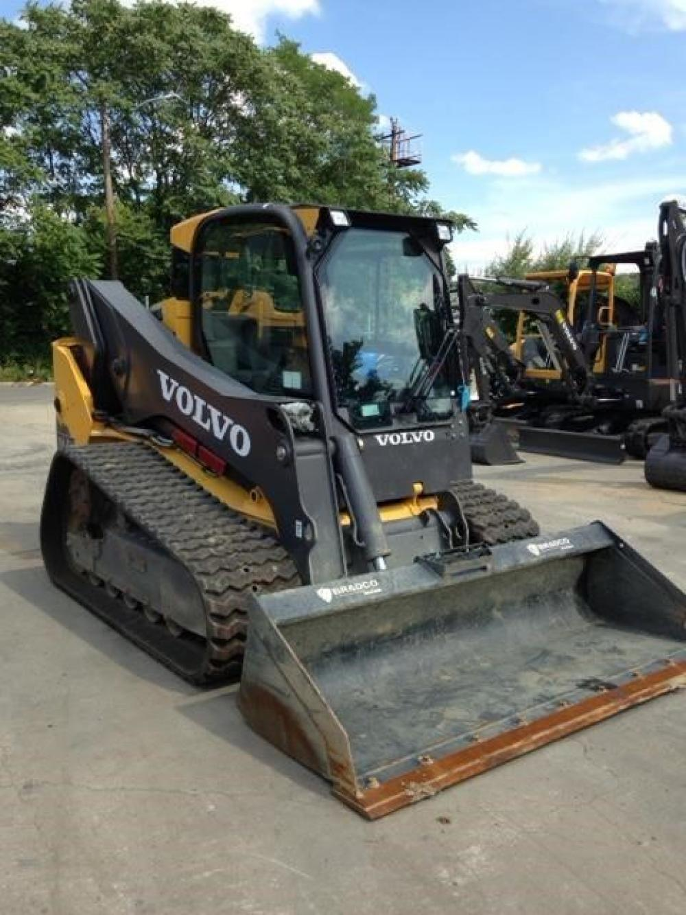 Detail photo of 2014 Volvo MCT135C from Construction Equipment Guide
