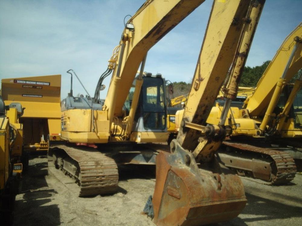 Detail photo of 2008 Komatsu PC228USLC-3 from Construction Equipment Guide