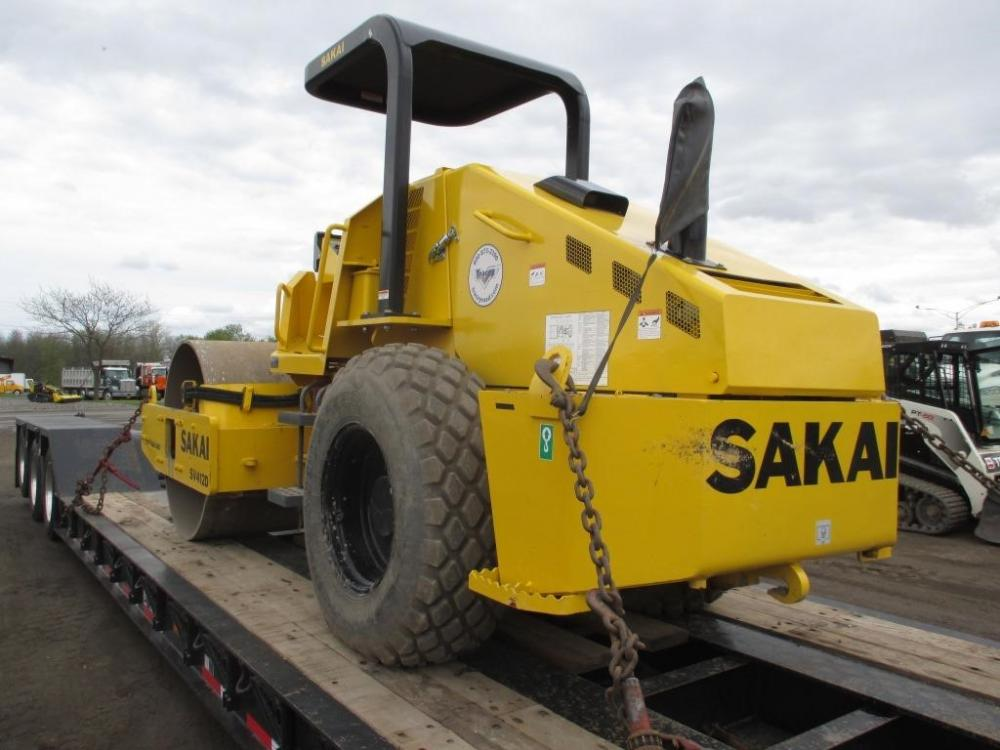 Detail photo of 2015 Sakai SV412 from Construction Equipment Guide