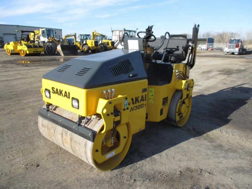 Detail photo of 2016 Sakai SW320 from Construction Equipment Guide