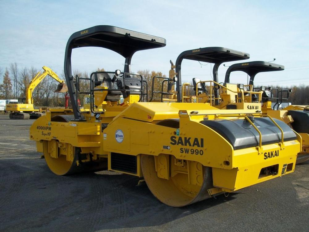 Detail photo of 2013 Sakai SW990 from Construction Equipment Guide