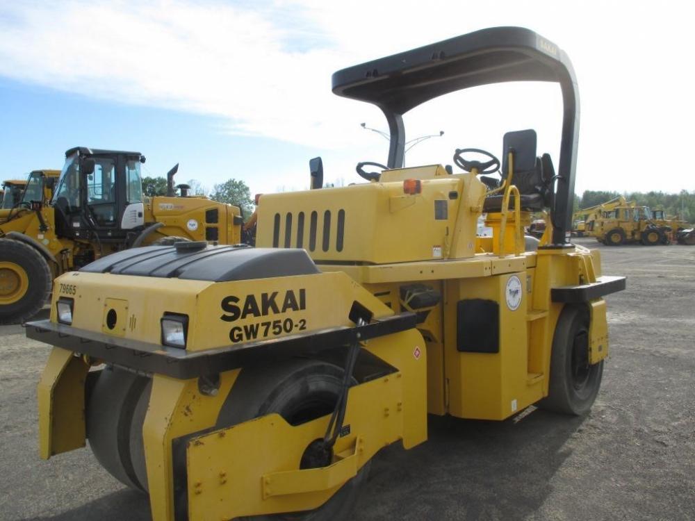 Detail photo of 2013 Sakai GW750 II from Construction Equipment Guide
