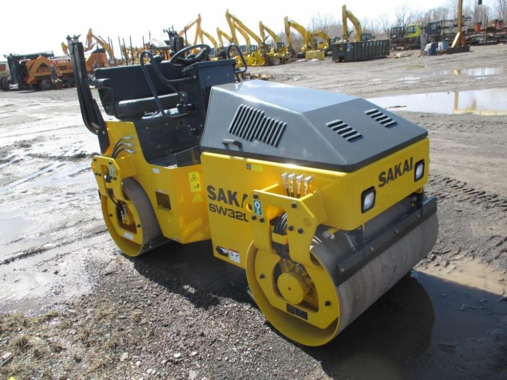 Detail photo of 2016 Sakai SW320-1 from Construction Equipment Guide