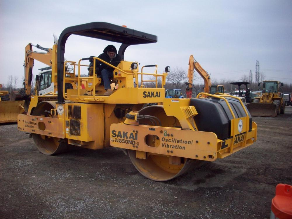 Detail photo of 2017 Sakai SW850ND II from Construction Equipment Guide