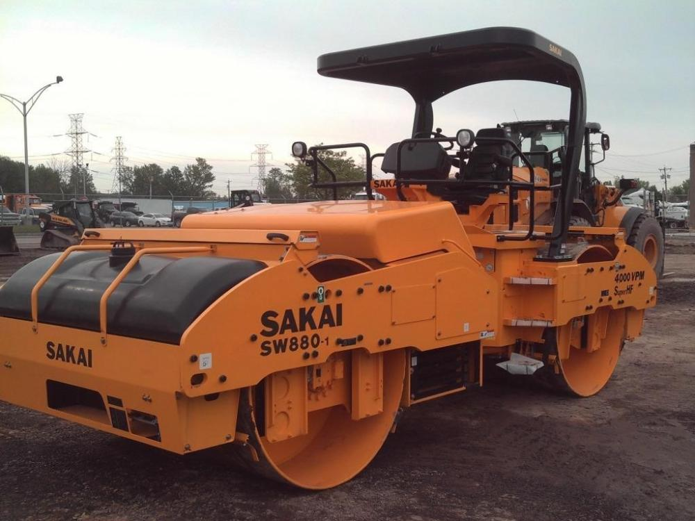 Detail photo of 2017 Sakai SW880 from Construction Equipment Guide