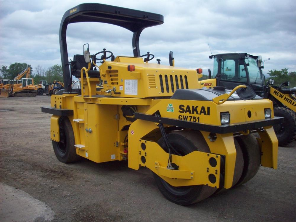 Detail photo of 2018 Sakai GW751 from Construction Equipment Guide