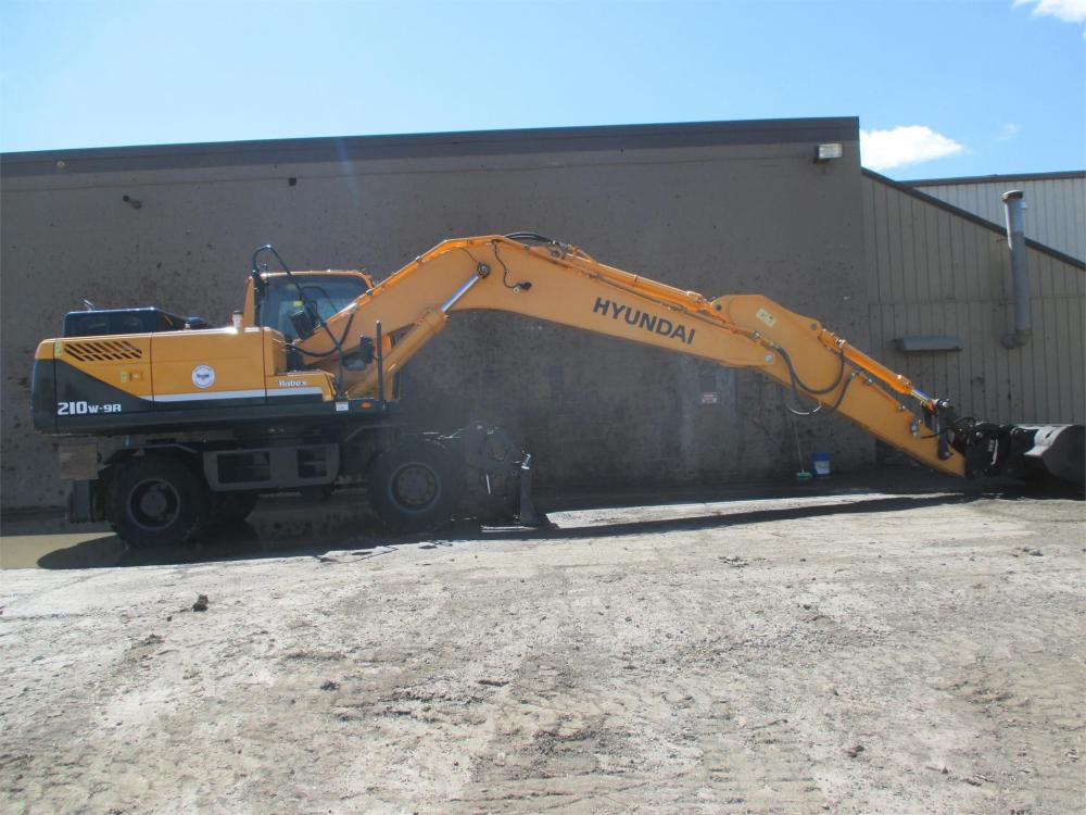 Detail photo of 2014 Hyundai ROBEX 210W-9A from Construction Equipment Guide