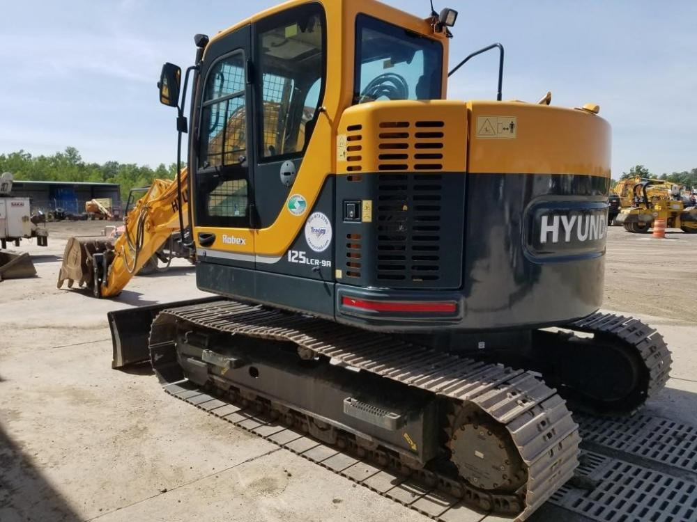 Detail photo of 2015 Hyundai ROBEX 125 LCR-9A from Construction Equipment Guide