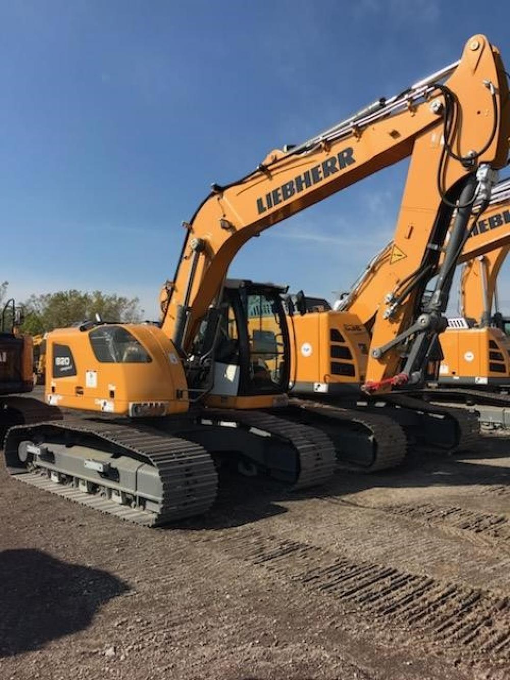 Detail photo of 2019 Liebherr R920 COMPACT LITRONIC from Construction Equipment Guide