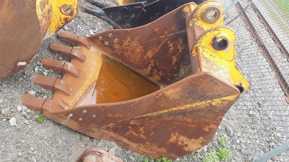 Detail photo of  Hyundai E716610 from Construction Equipment Guide