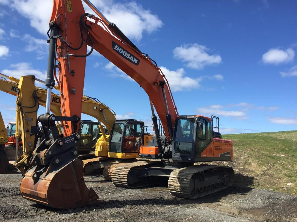 Detail photo of 2015 Doosan DX350LC-5 from Construction Equipment Guide