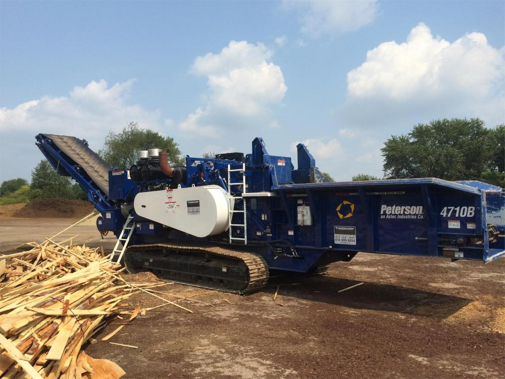 Detail photo of 2014 Peterson Pacific 4710B from Construction Equipment Guide