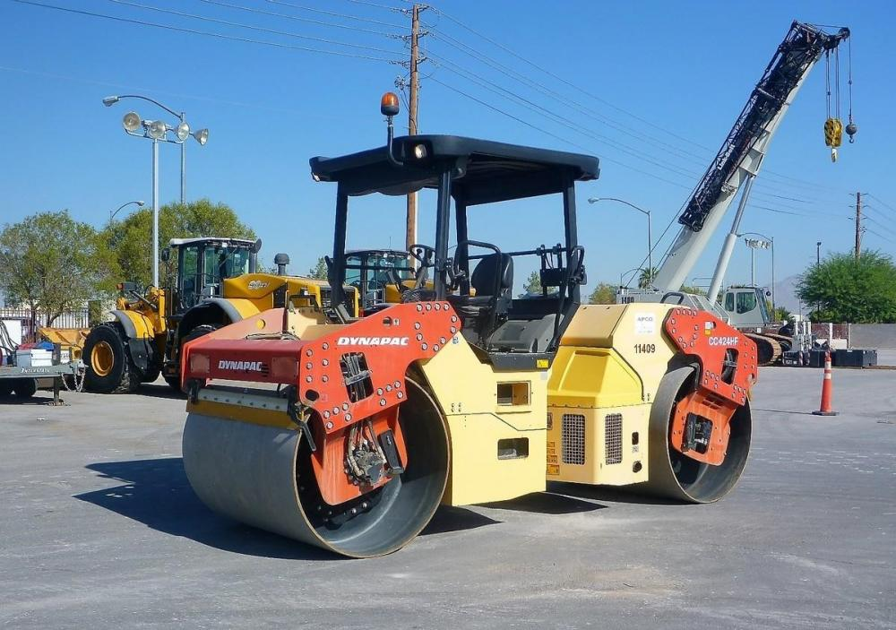 Detail photo of 2010 Dynapac CC424HF from Construction Equipment Guide