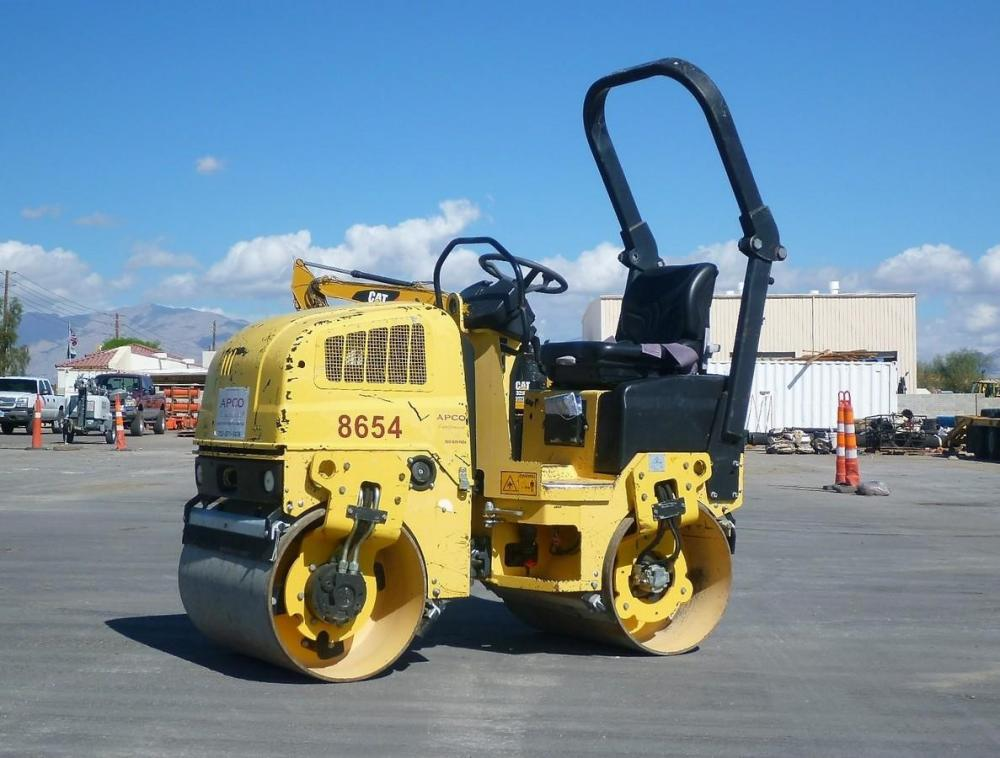 Detail photo of 2006 Dynapac CC800 from Construction Equipment Guide