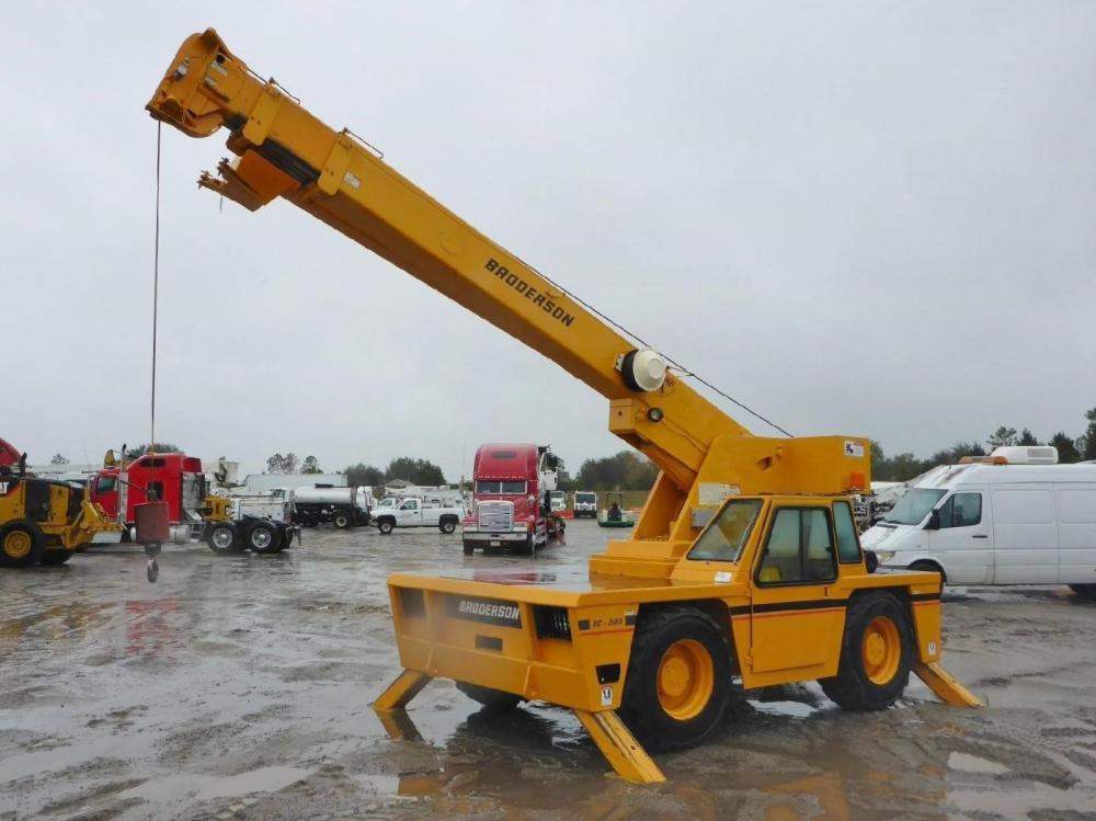Detail photo of 2005 Broderson IC-200-2F from Construction Equipment Guide
