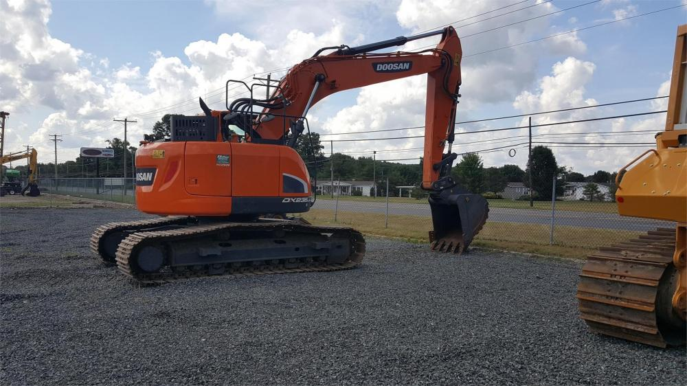 Detail photo of 2016 Doosan DX235LCR-5 from Construction Equipment Guide