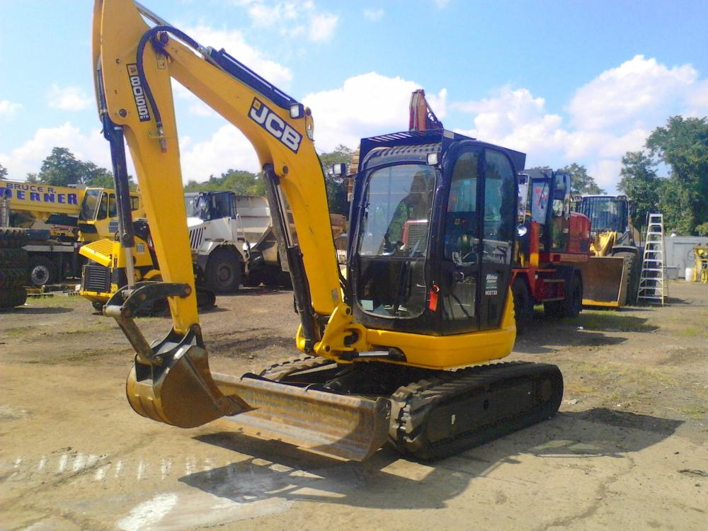 Detail photo of 2015 JCB 8055 ZTS from Construction Equipment Guide