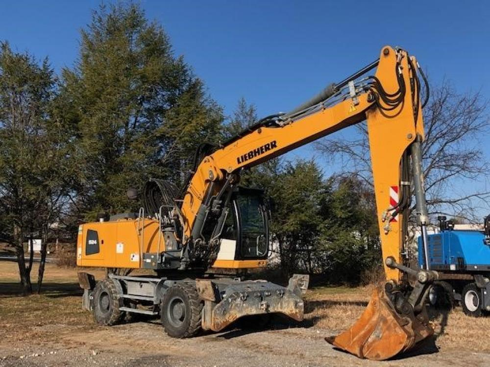Detail photo of 2016 Liebherr A924C from Construction Equipment Guide