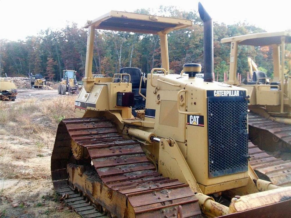 Detail photo of 1991 Caterpillar D4H LGP III from Construction Equipment Guide