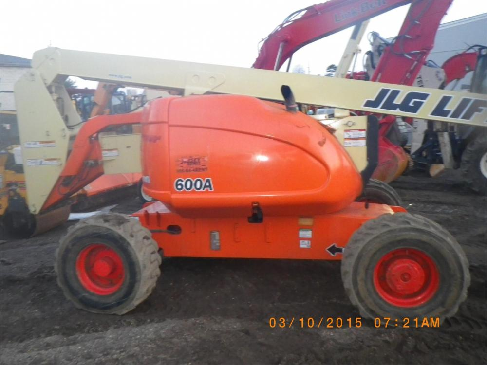 Detail photo of  JLG 600A from Construction Equipment Guide