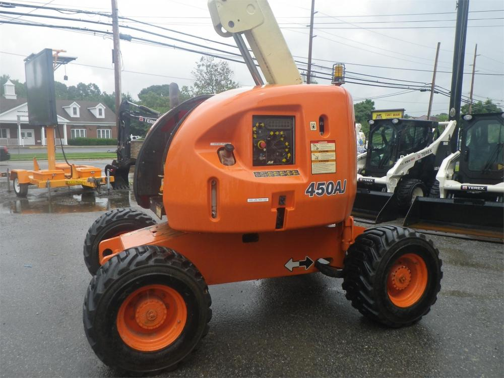 Detail photo of 1999 JLG 450AJ from Construction Equipment Guide