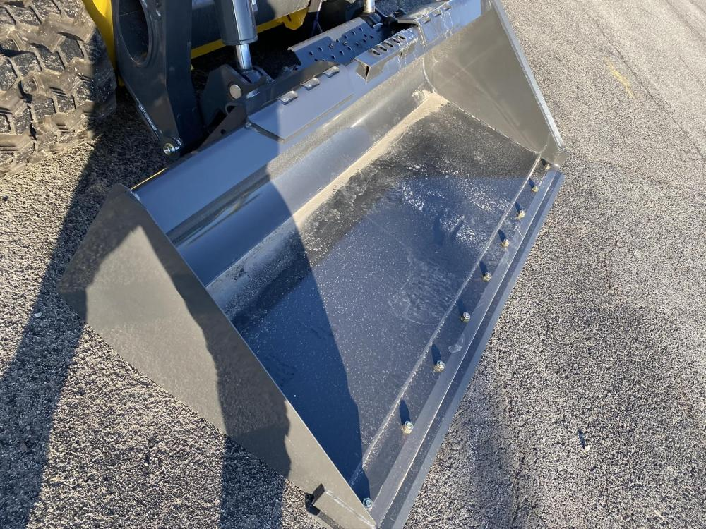 Detail photo of  New Holland 78 IN. LPE from Construction Equipment Guide