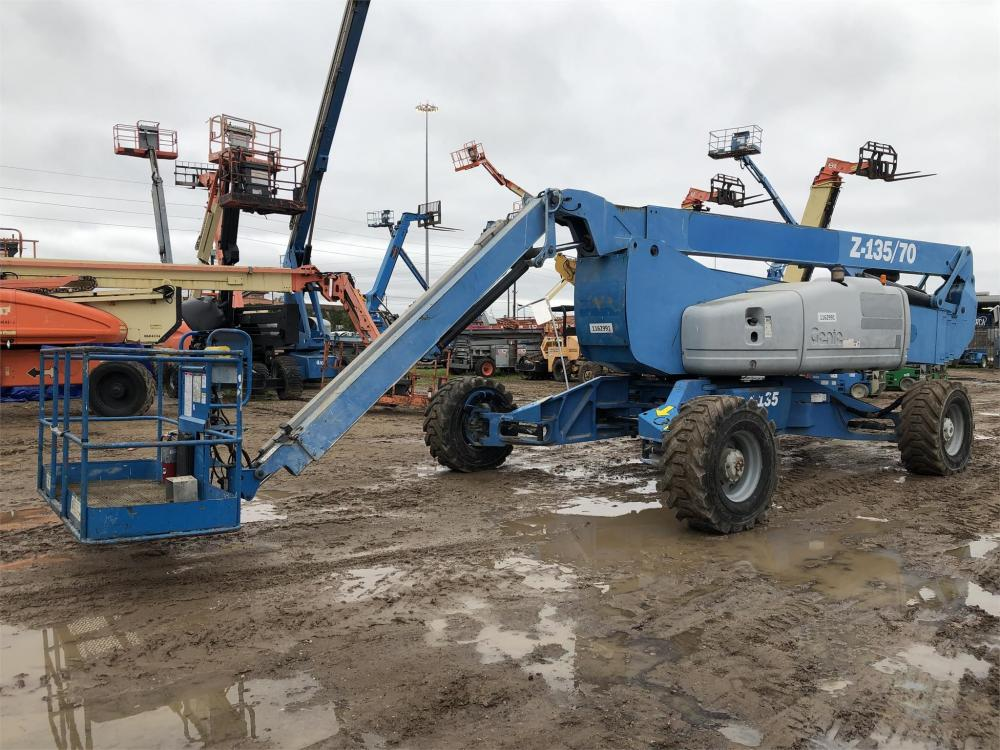 Detail photo of 2010 Genie Z-135/70 from Construction Equipment Guide