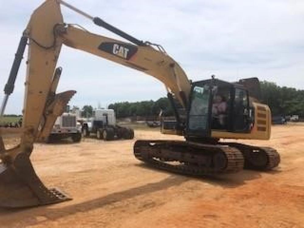 Detail photo of 2013 Caterpillar 320EL from Construction Equipment Guide