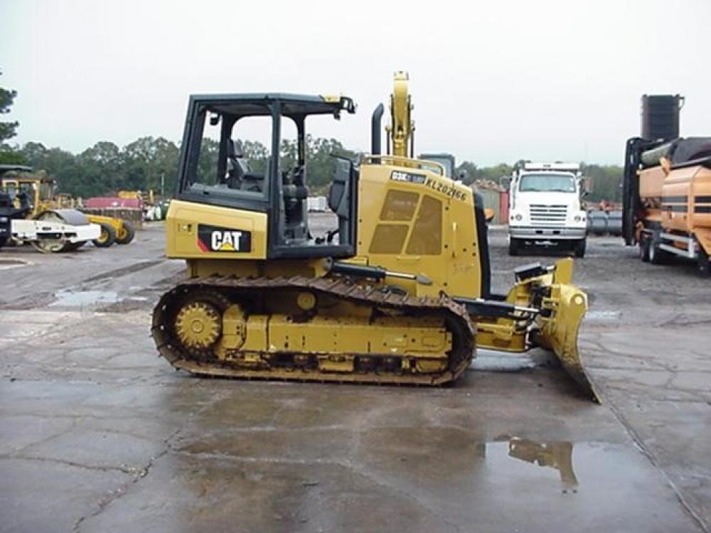Detail photo of 2016 Caterpillar D3K LGP from Construction Equipment Guide