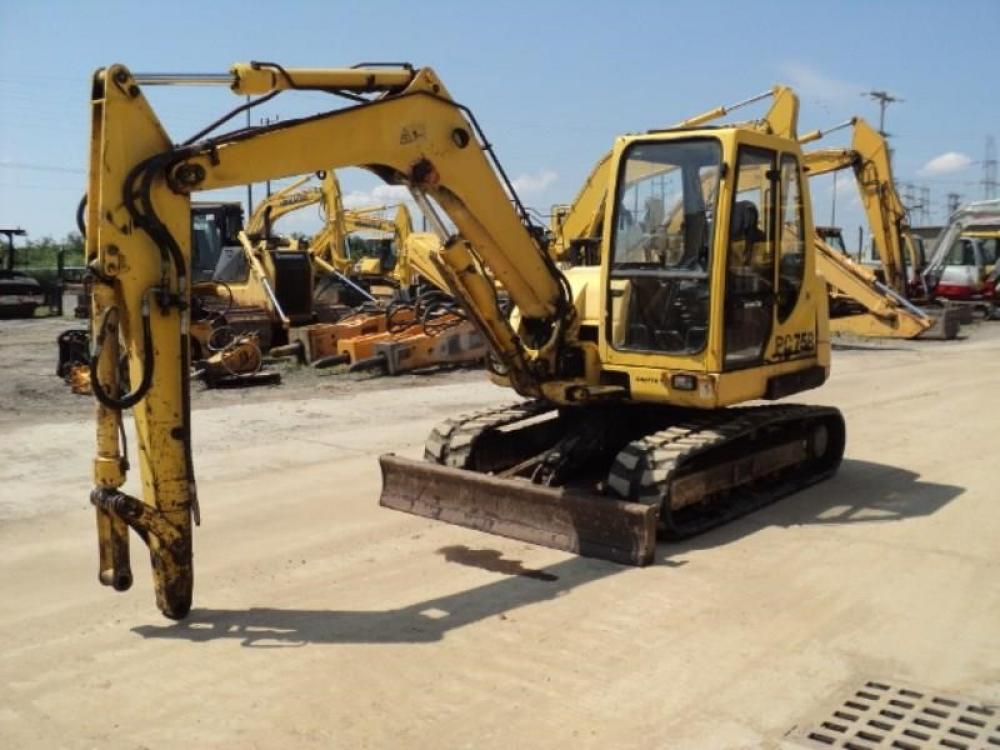 Detail photo of 2002 Komatsu PC75-2 from Construction Equipment Guide
