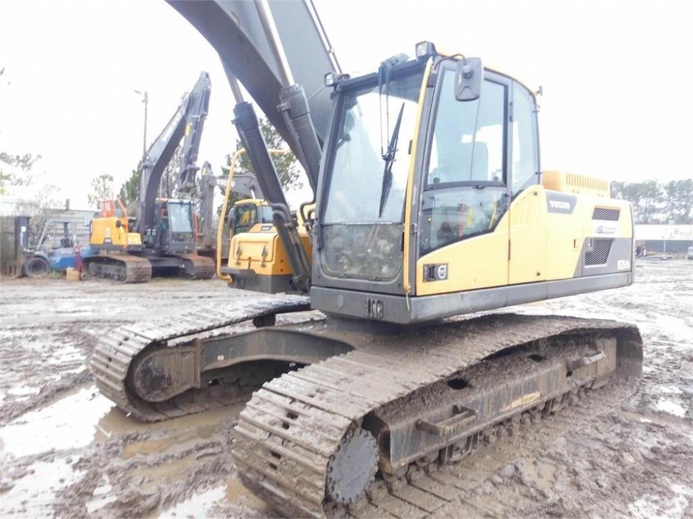 Detail photo of 2013 Volvo EC250DL from Construction Equipment Guide