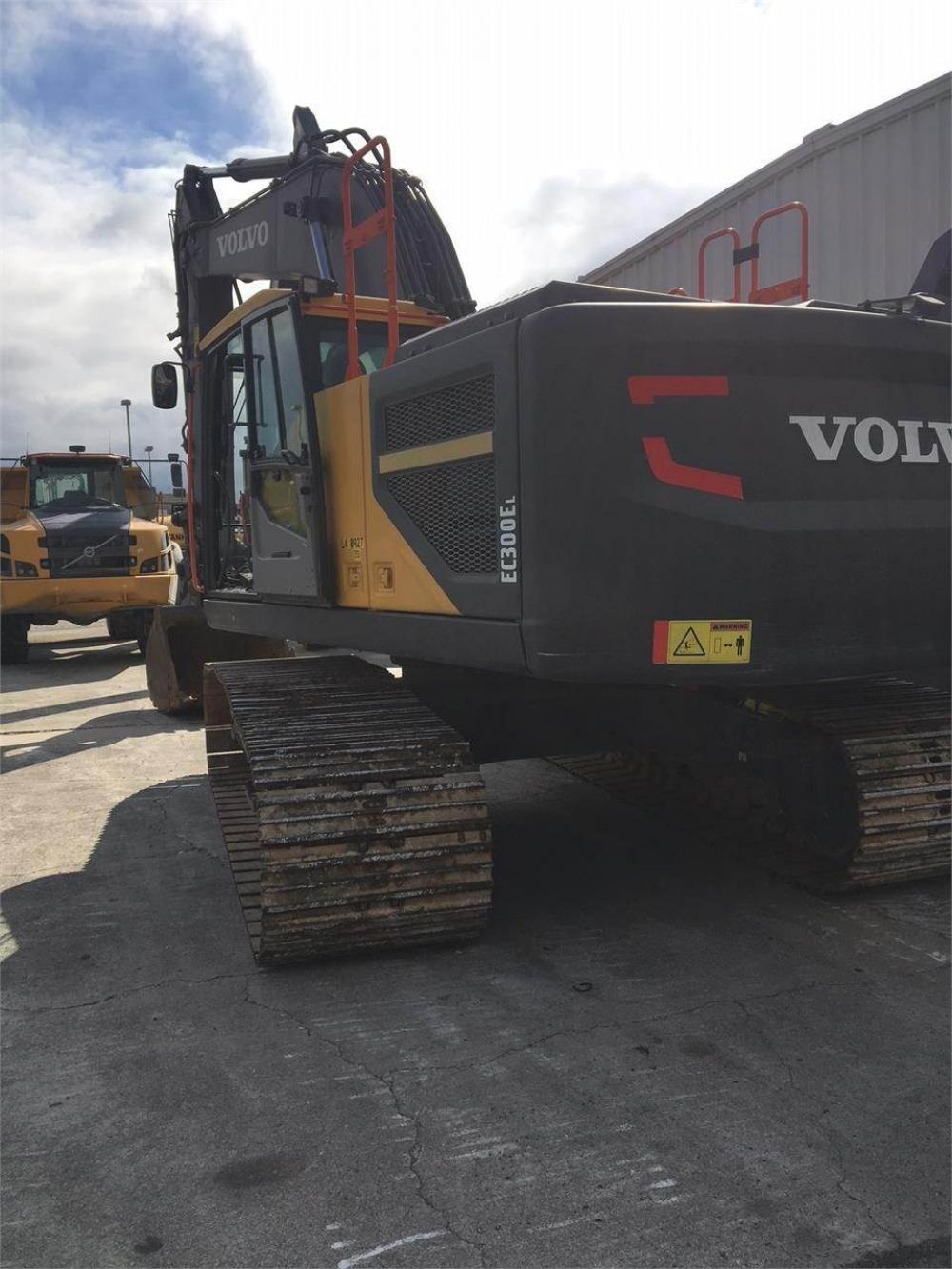 Detail photo of 2016 Volvo EC300EL from Construction Equipment Guide