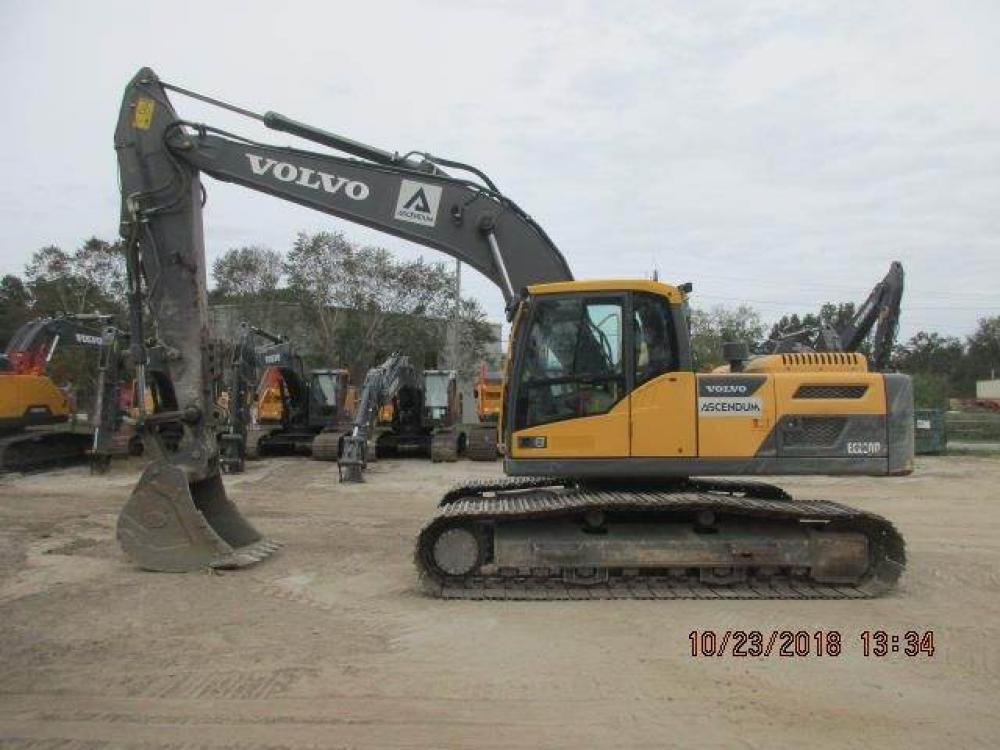 Detail photo of 2014 Volvo EC220DL from Construction Equipment Guide