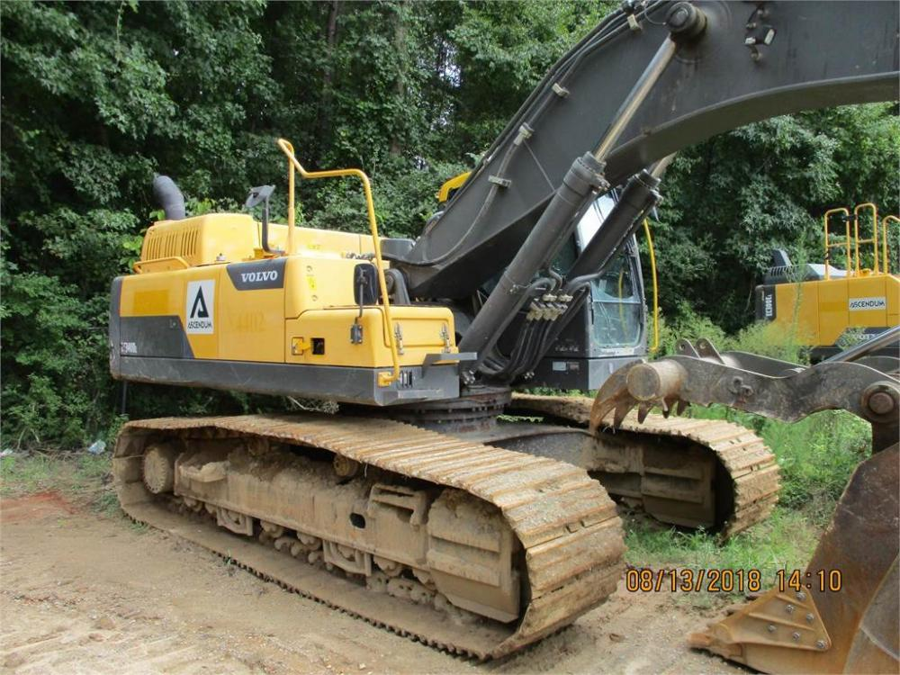 Detail photo of 2014 Volvo EC340DL from Construction Equipment Guide