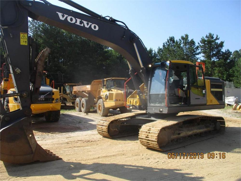 Detail photo of 2017 Volvo EC250EL from Construction Equipment Guide