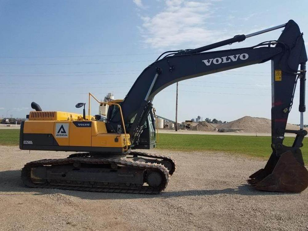 Detail photo of 2014 Volvo EC250DL from Construction Equipment Guide