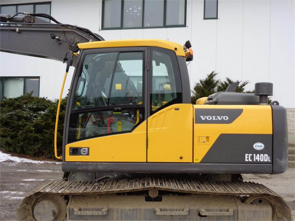 Detail photo of 2015 Volvo EC140DL from Construction Equipment Guide