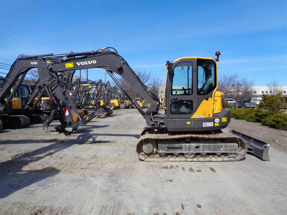 Detail photo of 2019 Volvo ECR88D from Construction Equipment Guide