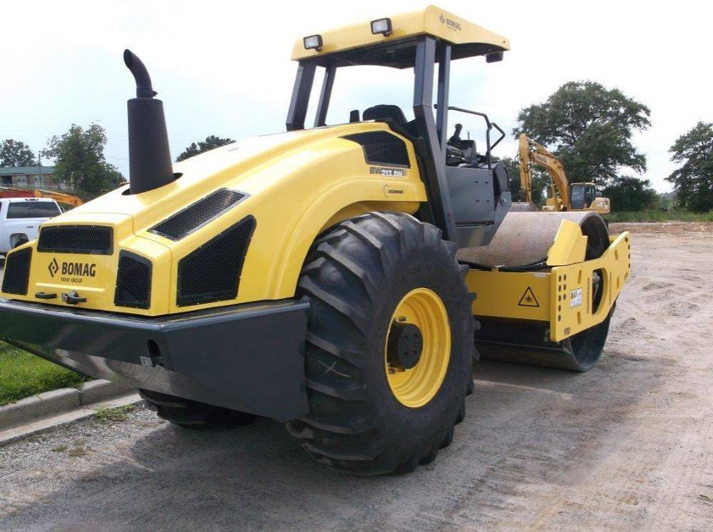 Detail photo of 2014 Bomag BW 213 DH-4 from Construction Equipment Guide