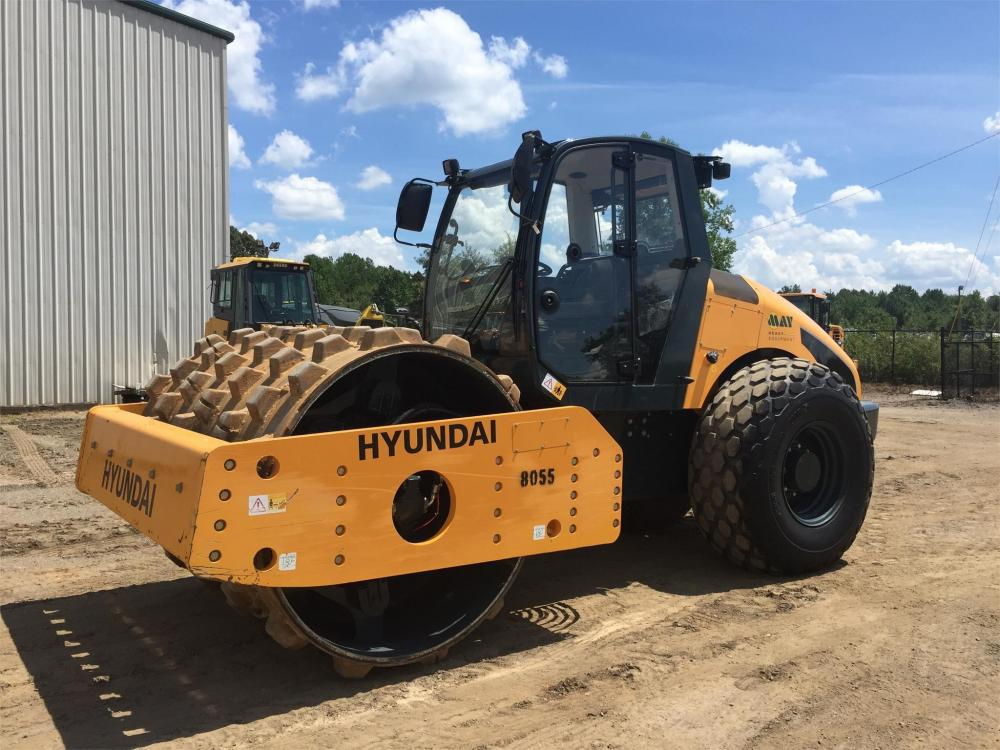 Detail photo of 2015 Hyundai HR120C-9 from Construction Equipment Guide
