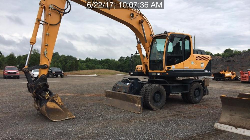 Detail photo of 2013 Hyundai ROBEX 180W-9A from Construction Equipment Guide