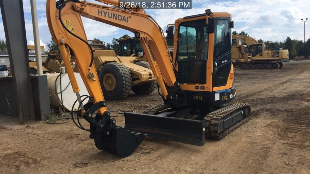 Detail photo of 2018 Hyundai ROBEX 60CR-9A from Construction Equipment Guide