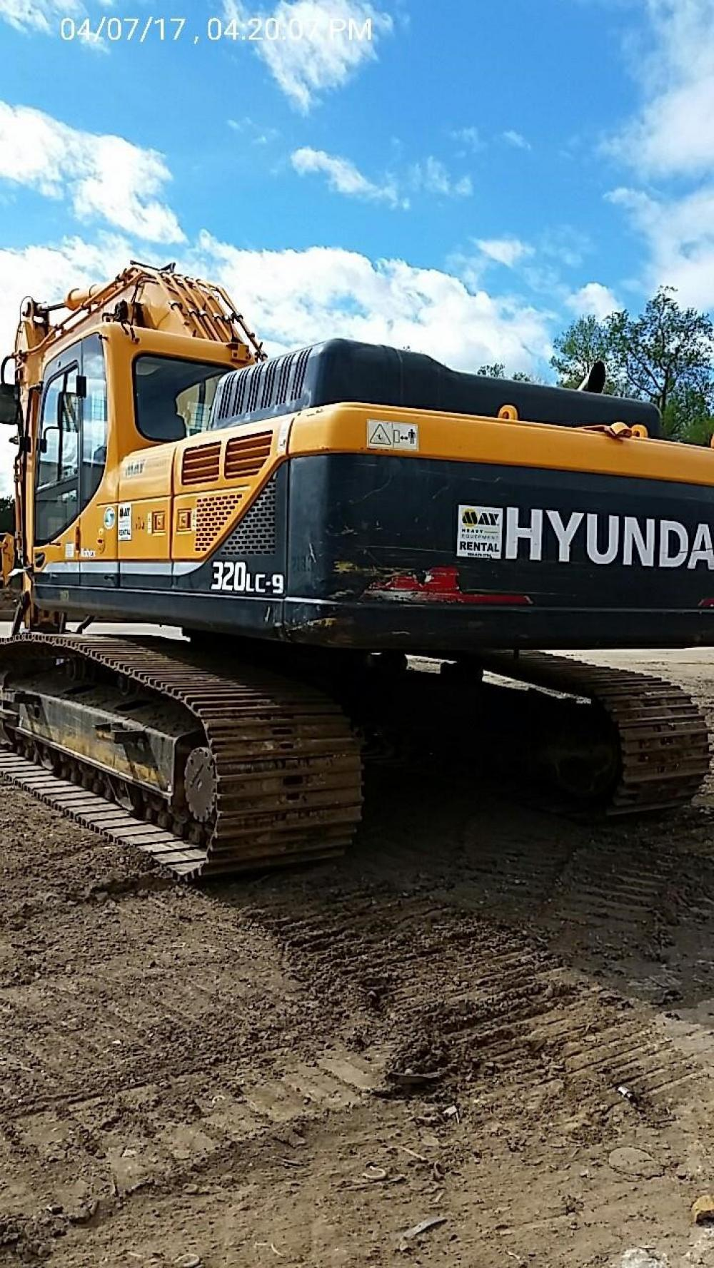 Detail photo of 2012 Hyundai ROBEX 320 LC-9 from Construction Equipment Guide