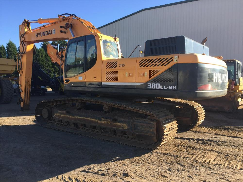 Detail photo of 2013 Hyundai ROBEX 380 LC-9A from Construction Equipment Guide