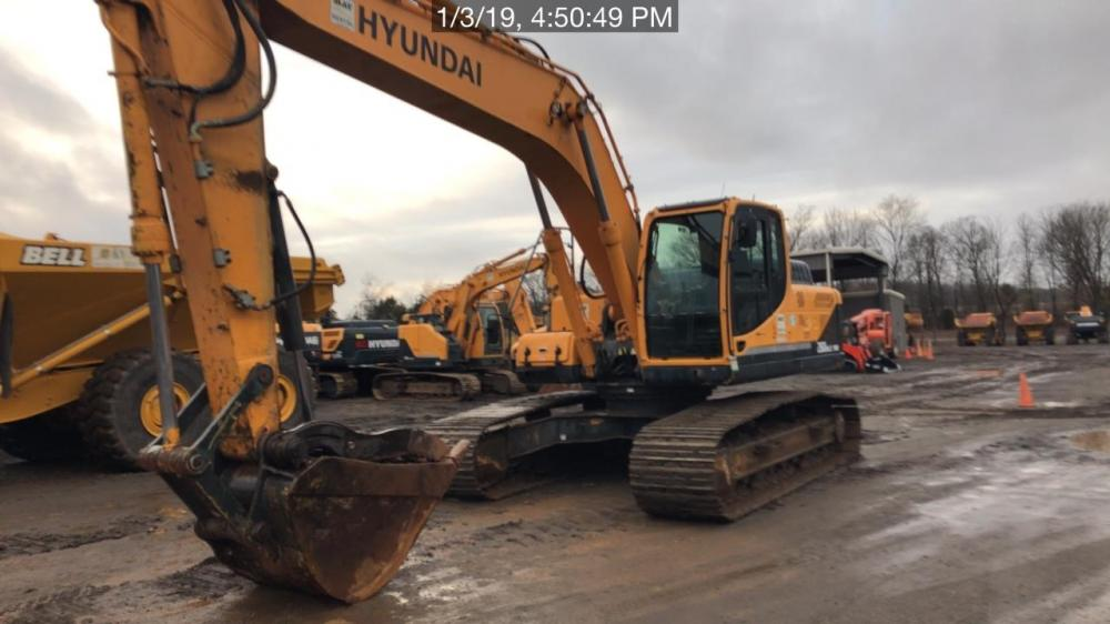 Detail photo of 2015 Hyundai ROBEX 260 LC-9A from Construction Equipment Guide