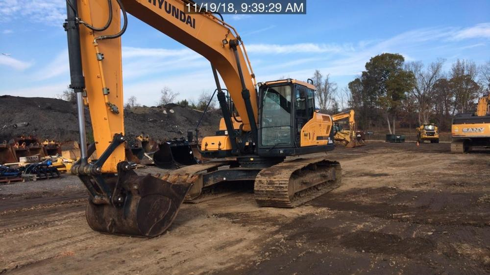 Detail photo of 2015 Hyundai HX260L from Construction Equipment Guide